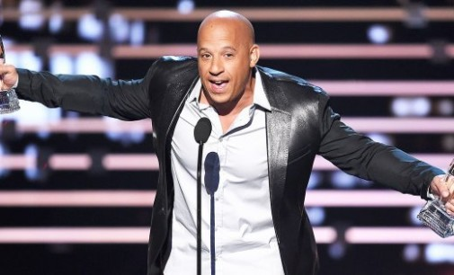"Vin Diesel vuelve a conmover cantando ""See You Again"" en honor a su amigo Paul Walker"