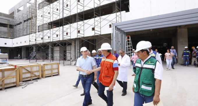 Manuel Velasco constata avances del nuevo Hospital General en la Perla del Soconusco